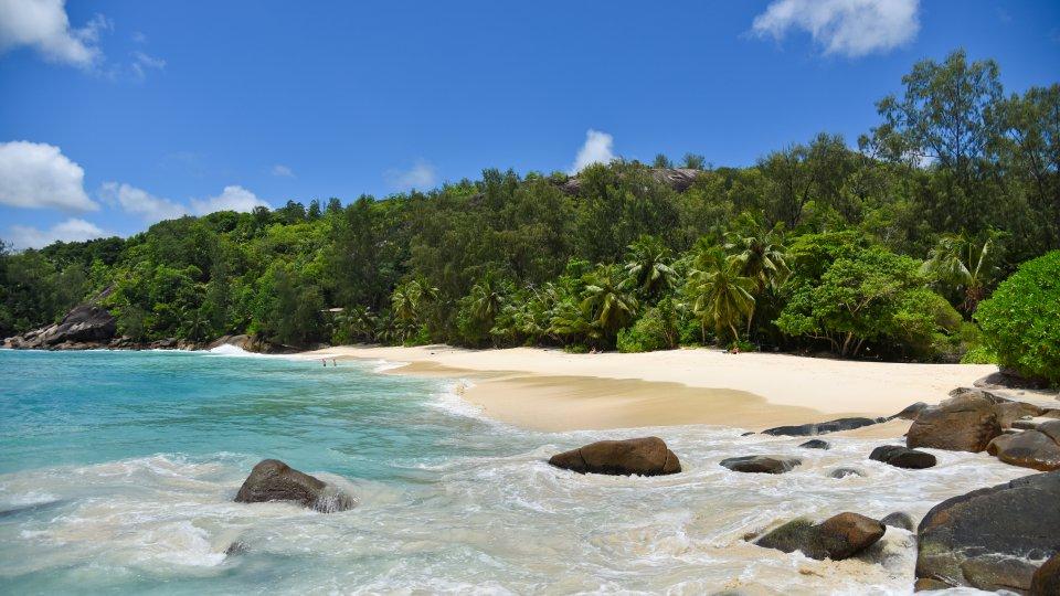 Strand anse soleil mah seychellen for Villa de jardin mahe seychelles