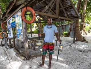 fishing-tour-full-day-fishing-around-praslin-img-502