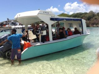 excursion-best-tours-seychelles-glass-bottom-boat-tour-st-anne-marine-park-img-681