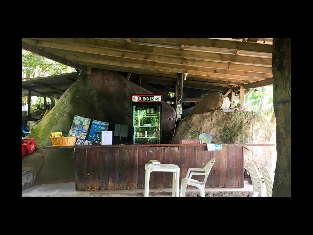 Honesty Bar - 75|Anse Lazio, Praslin