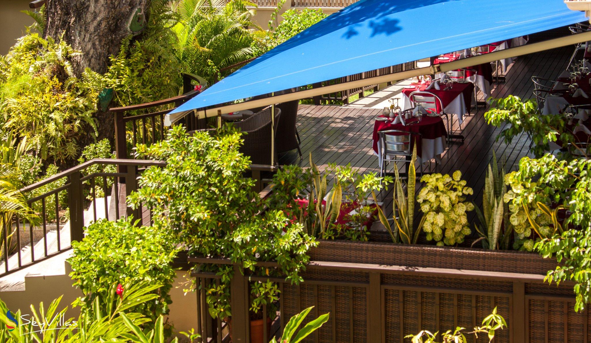 Villa pirogue lodge auf praslin seychellen for Small resort