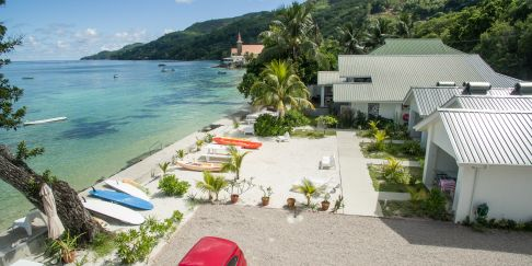 Le Nautique Luxury Beachfront Apartments