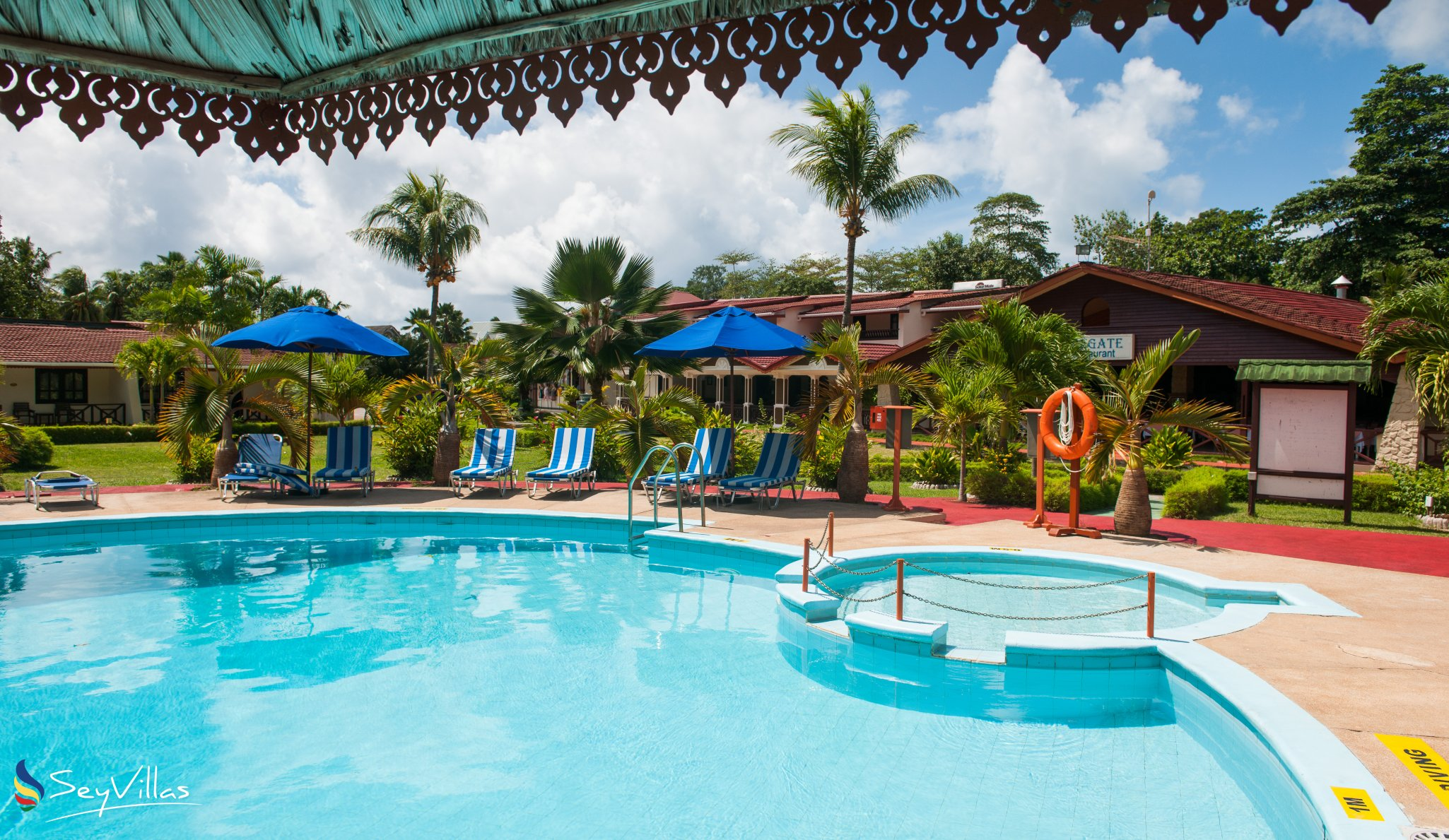 Praslin Hotel Berjaya Beach Resort